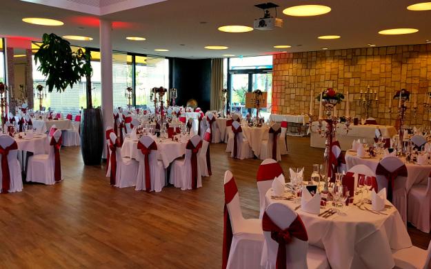DJ Bodensee auf Hochzeit im Event Hangar in Ravensburg